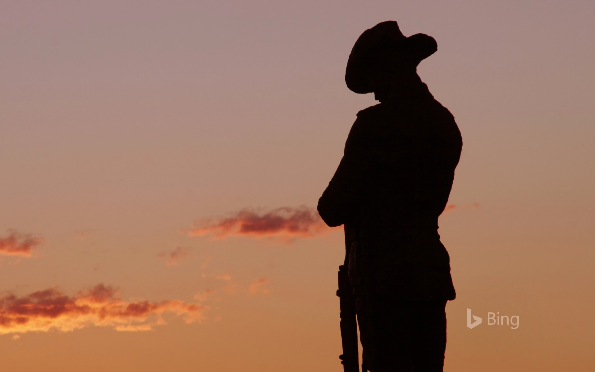 An ANZAC Soldier statue in the evening light