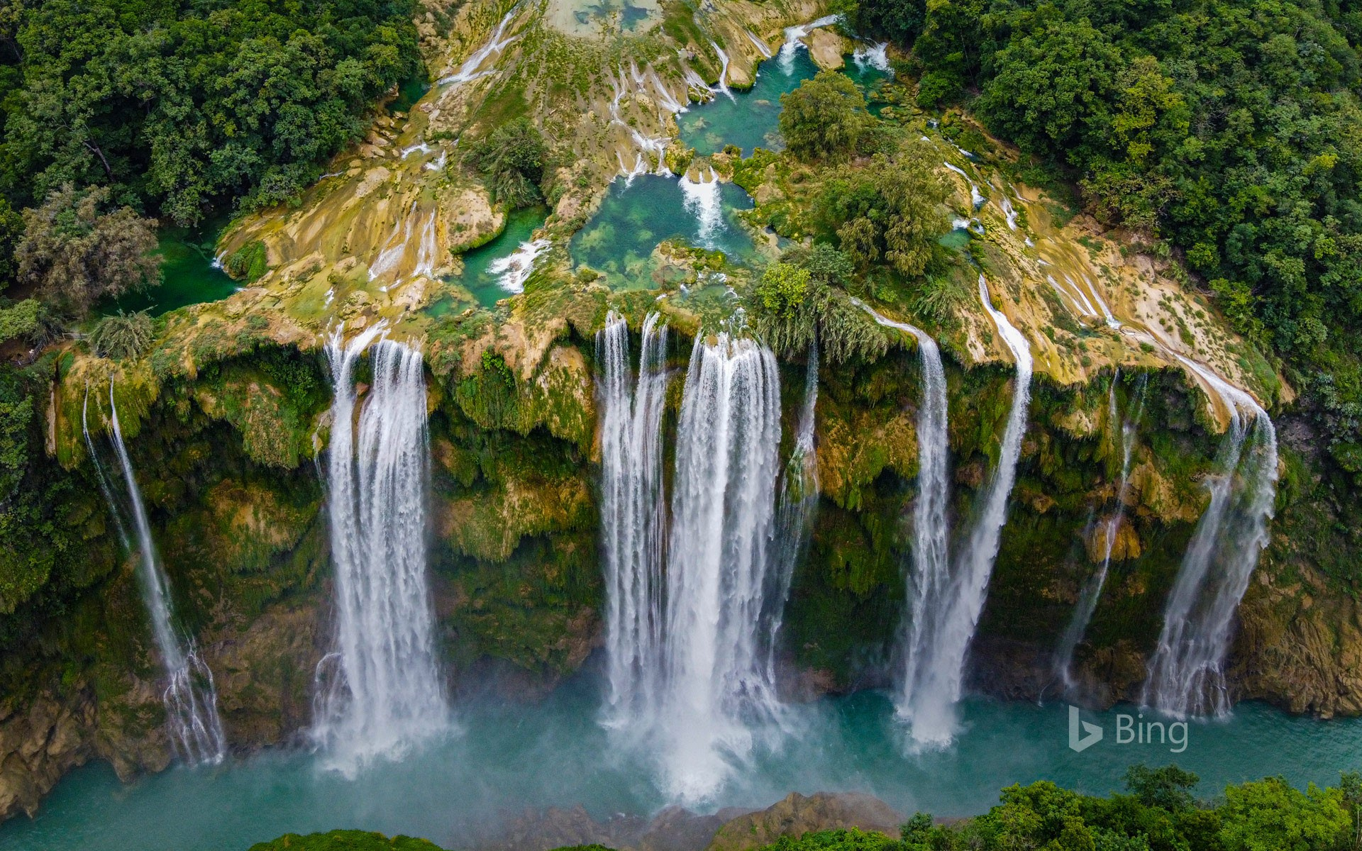 Tamul waterfall in the state of San Luis Potosí, Mexico