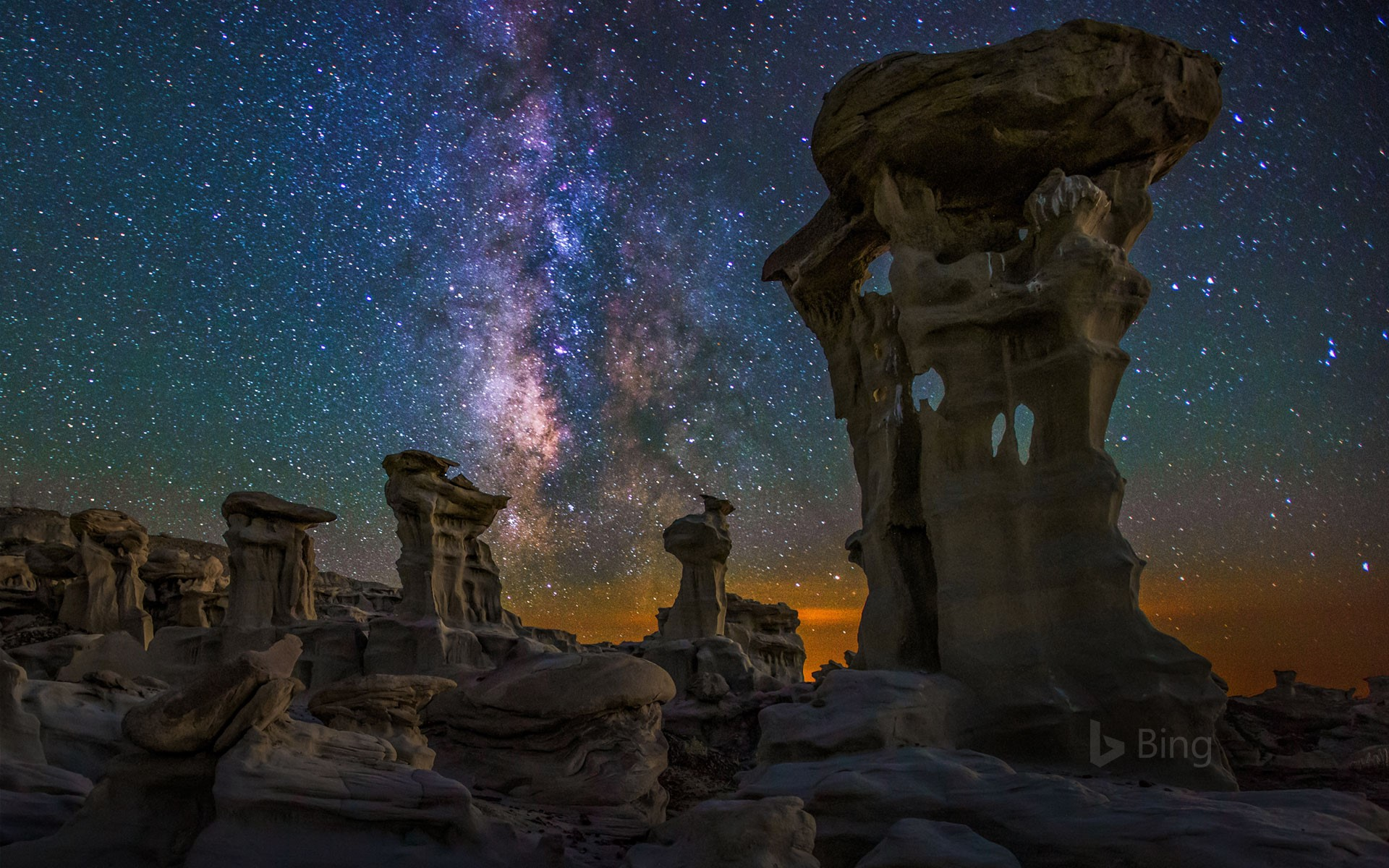 Milky Way over the Bisti/De-Na-Zin Wilderness in New Mexico (© Cory Marshall/Tandem Stills + Motion)
