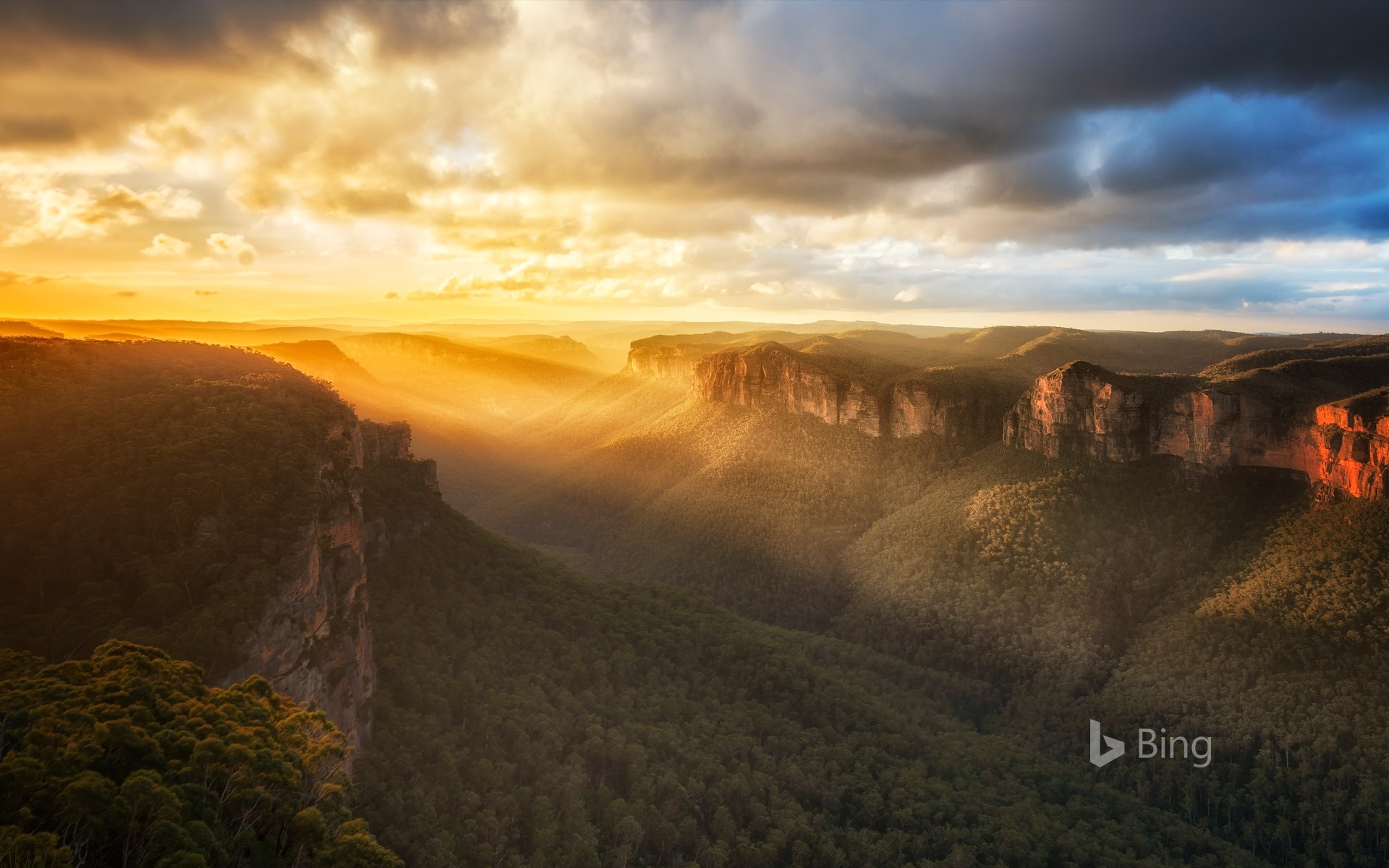 Beautiful sunset in Blue Mountains National Park, Australia