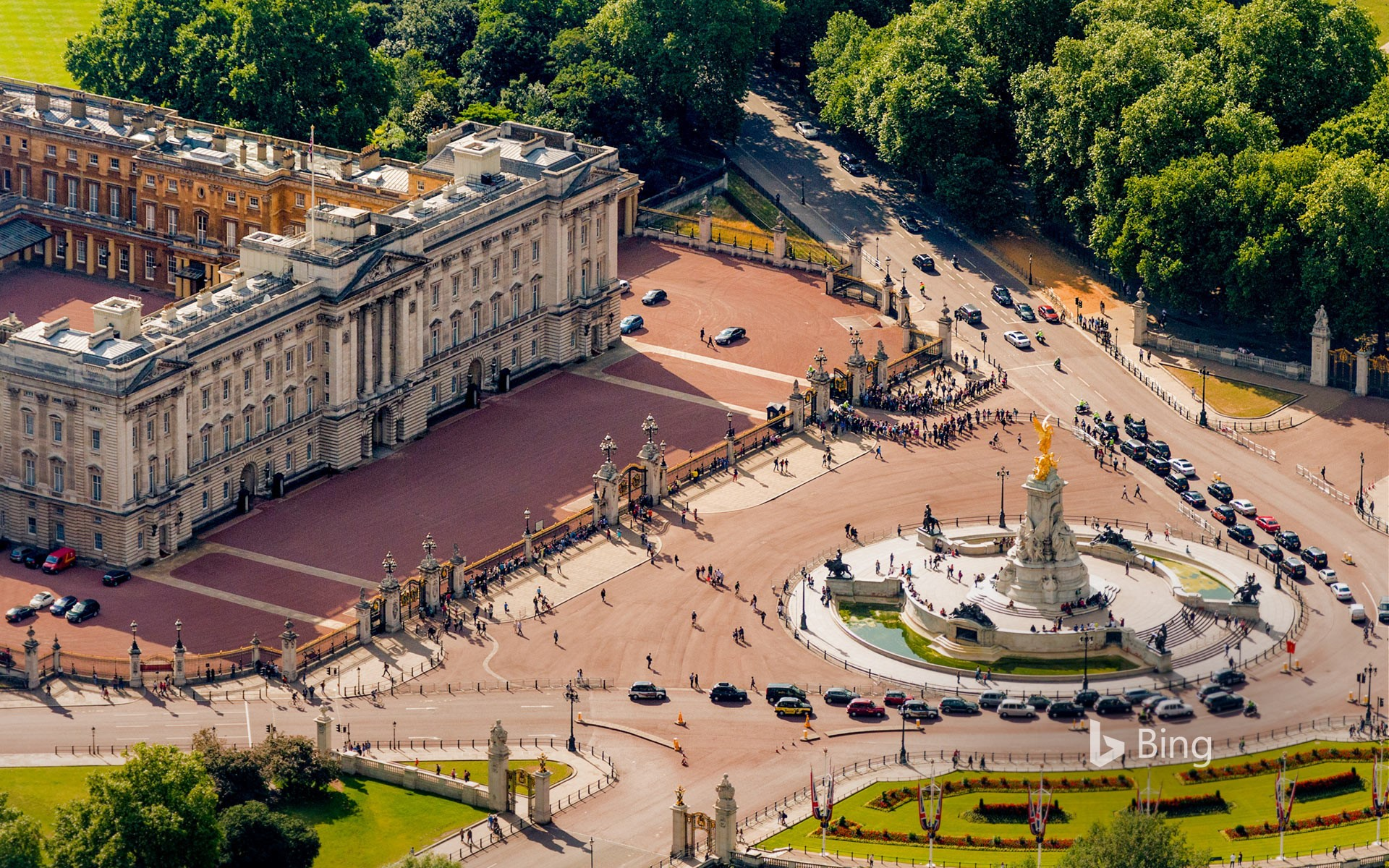 Buckingham Palace and Victoria Memorial for Queen Victoria's bicentennial year