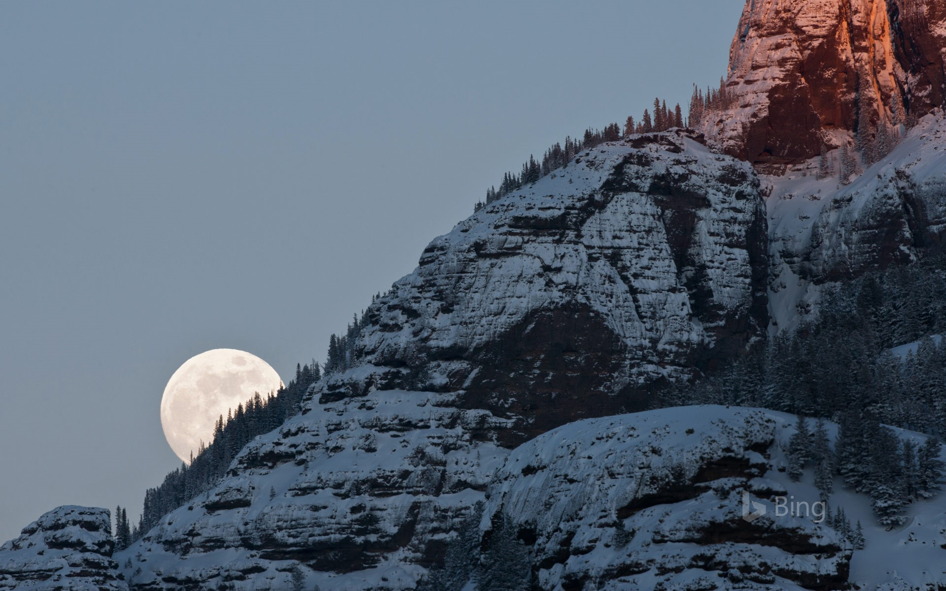 Moonrise Over Yellowstone National Park Bing Wallpapers
