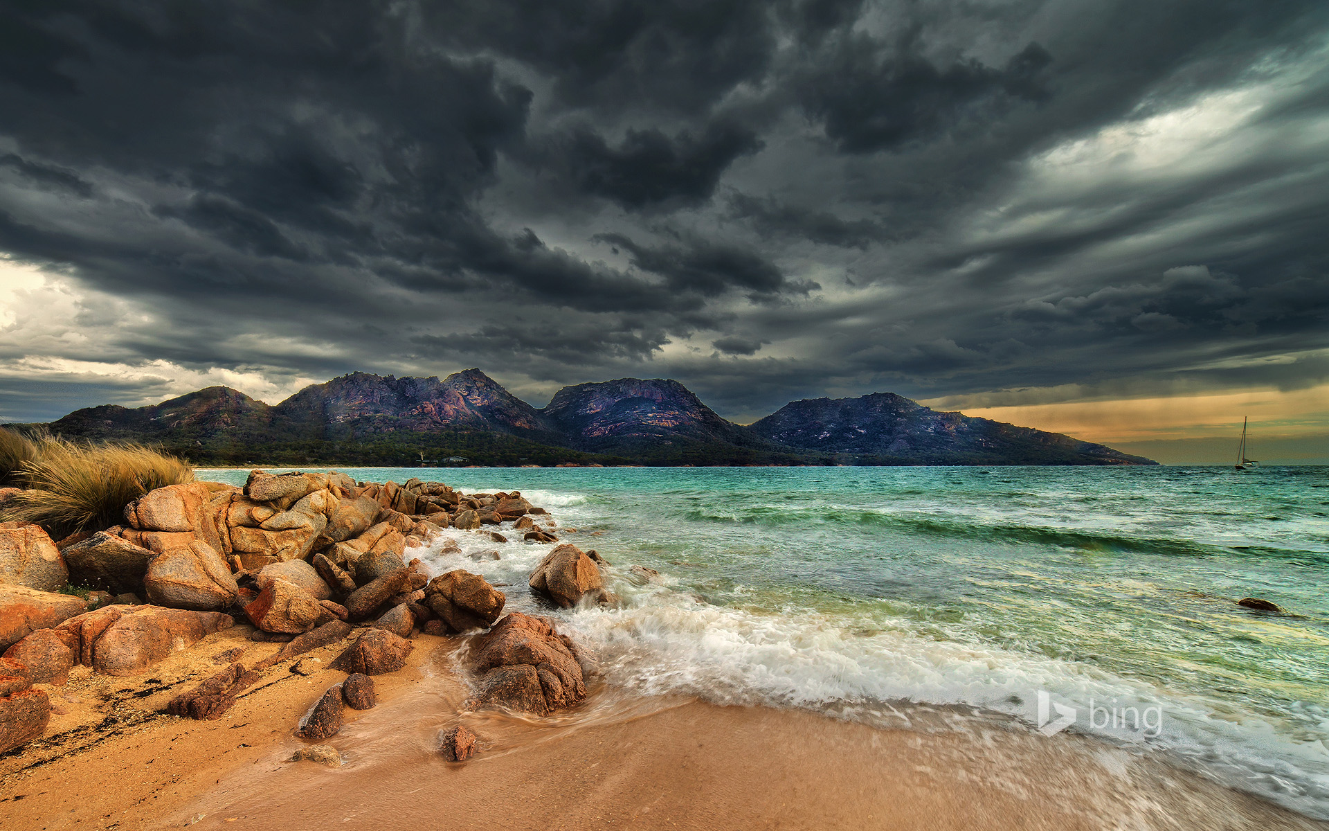 Coles Bay in Freycinet National Park, Tasmania, Australia