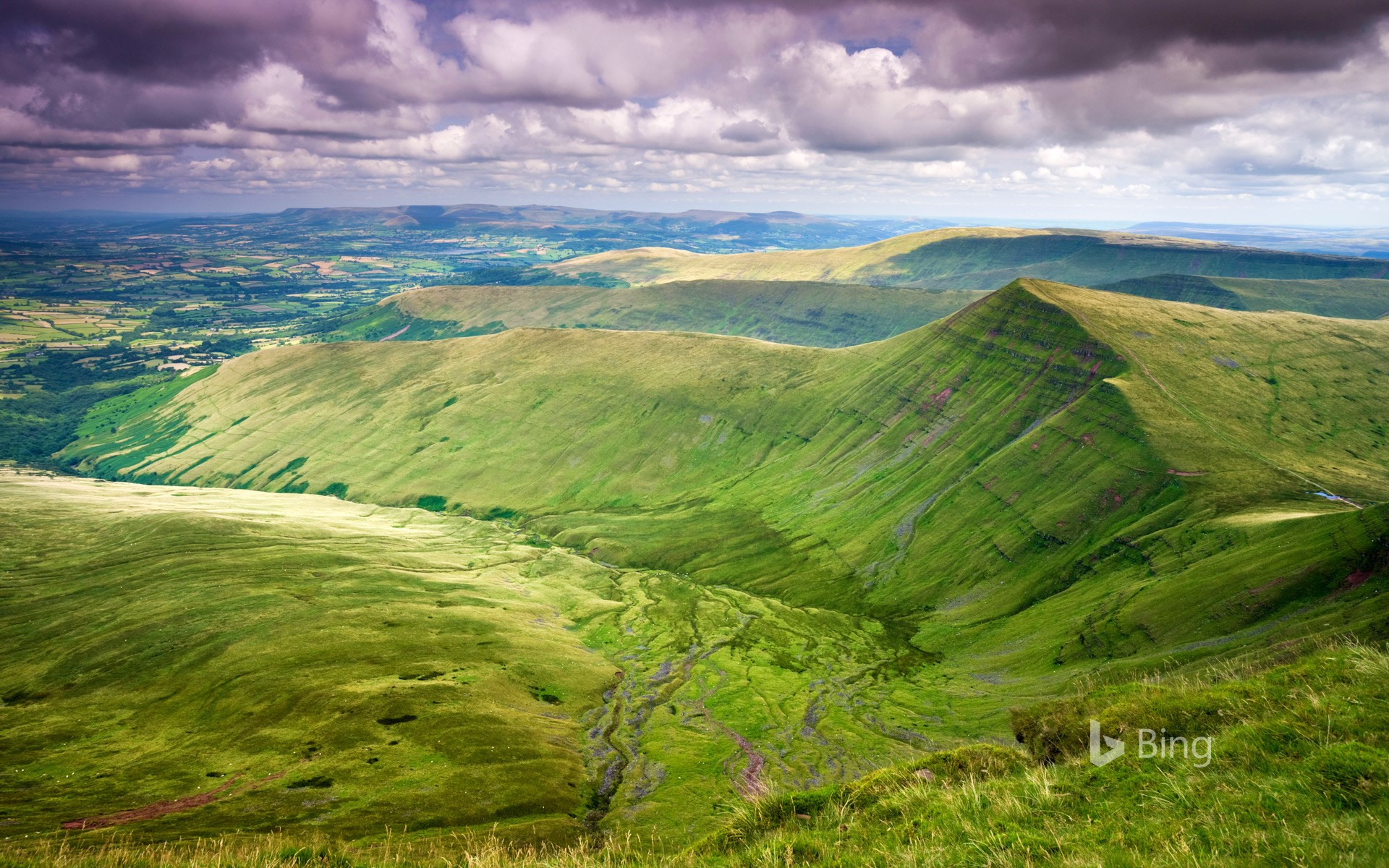 Cribyn viewed from Pen y Fan, Brecon Beacons National Park, Powys