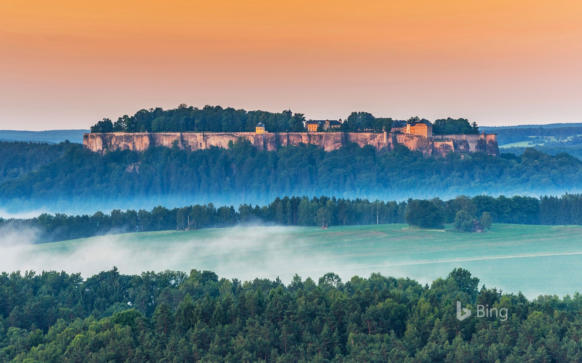 Königstein Fortress, near Dresden, Saxon Switzerland, Saxony, Germany (© Gunter Kirsch/Alamy Stock Photo)