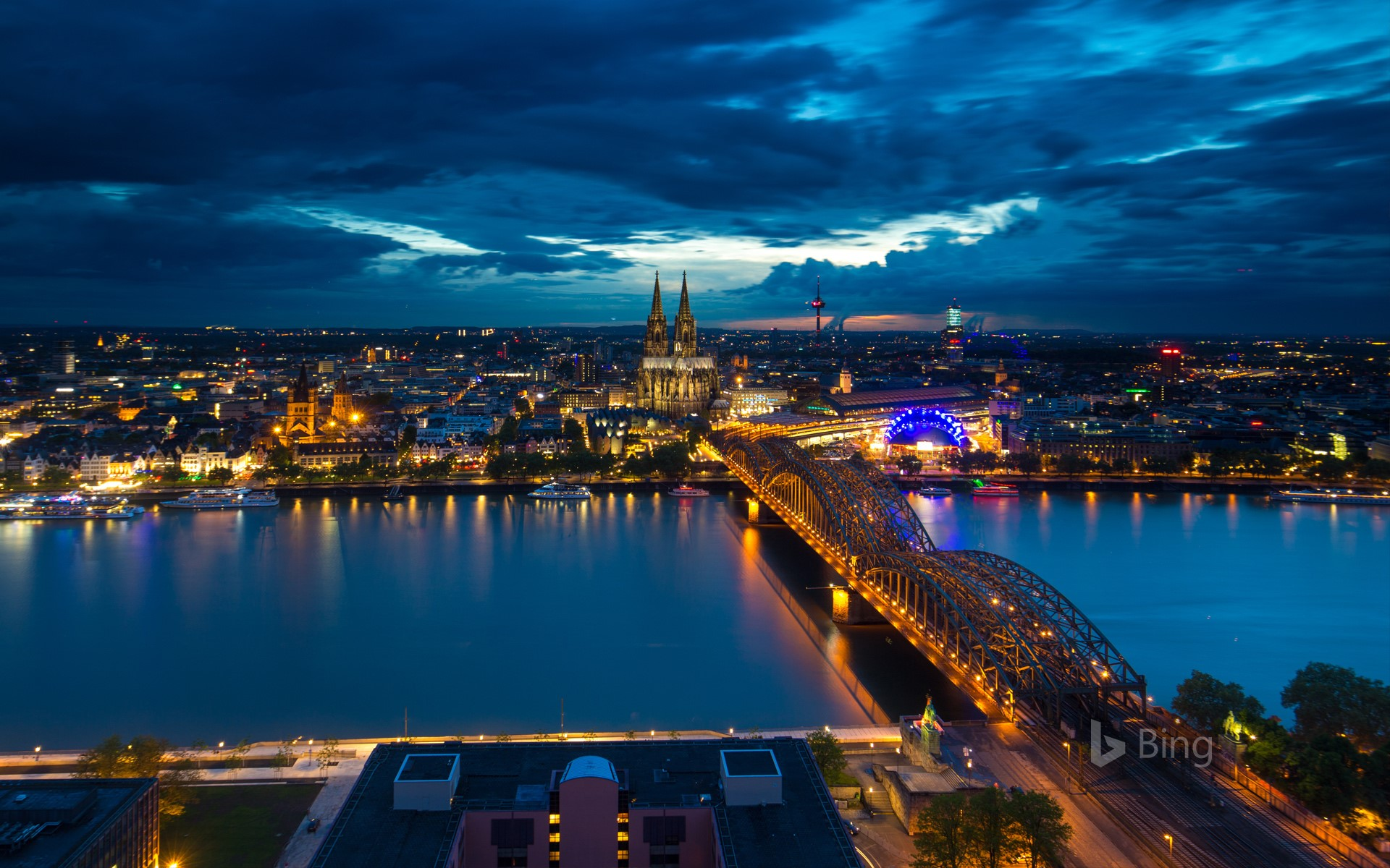 Nocturnal view of the city of Cologne, North Rhine-Westphalia