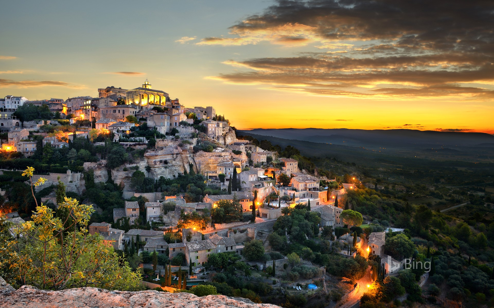 Gordes, France (© Therry/Getty Images)