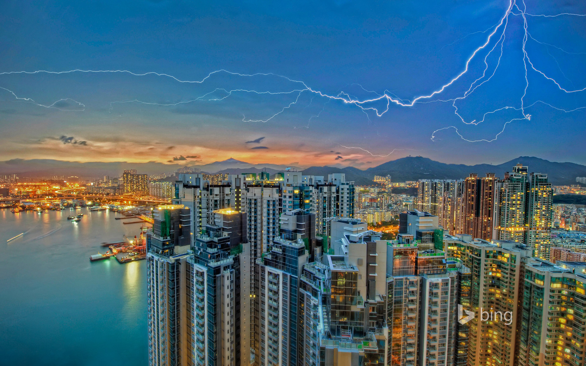 Lightning over Kowloon, Hong Kong