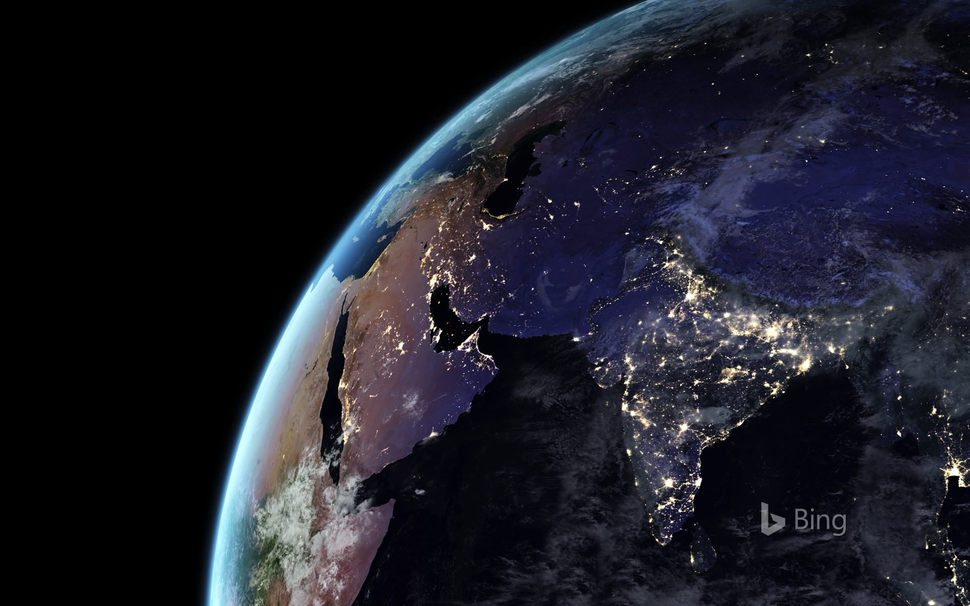 Earth at night (© NASA)