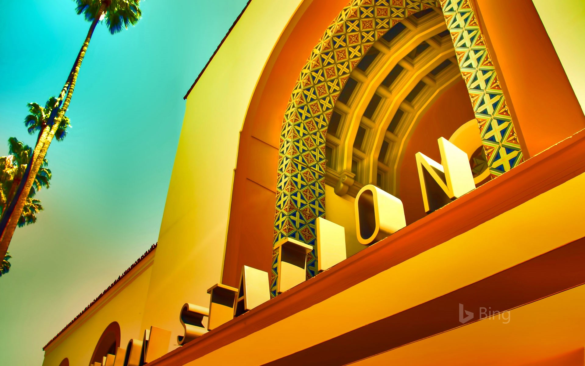Los Angeles Union Station, California, USA (© Ted Vancleave/Gallery Stock)