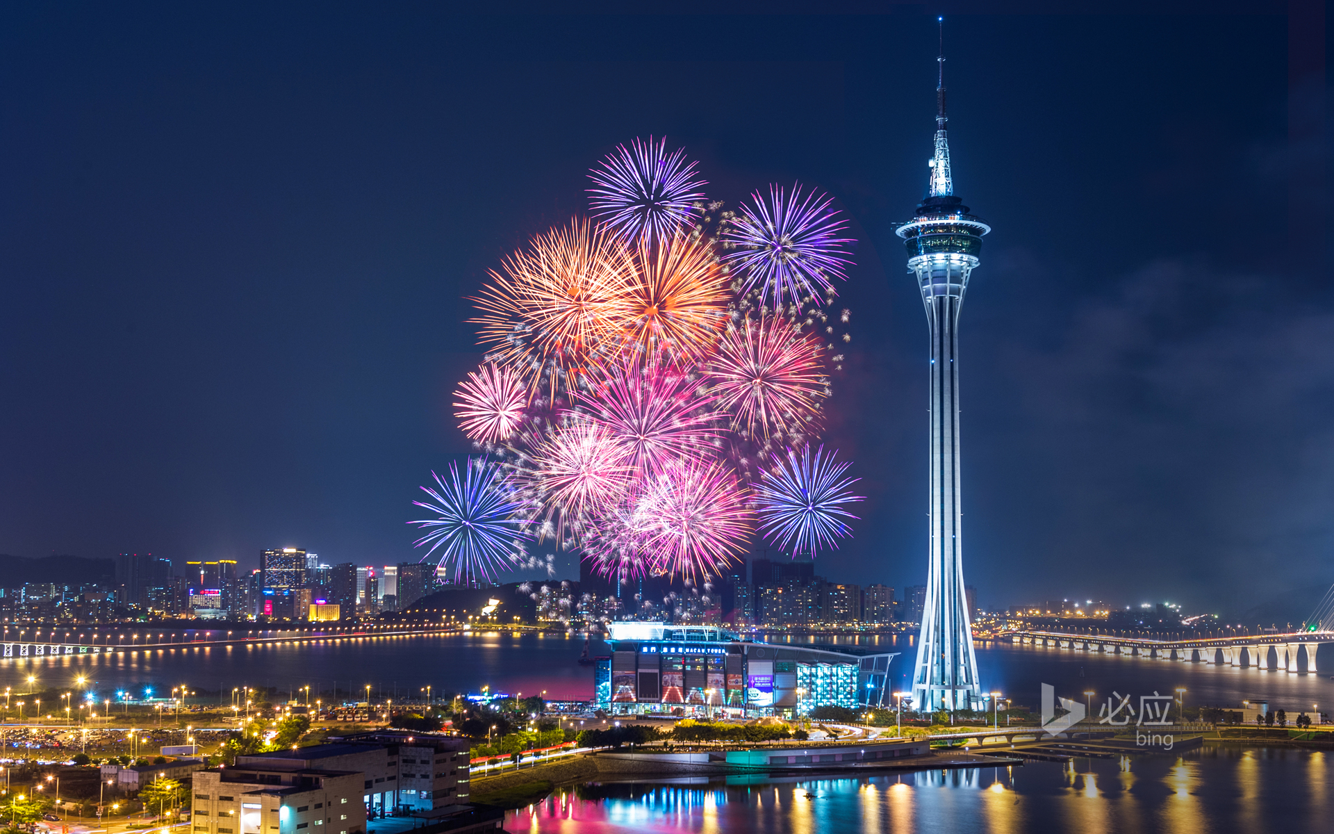 Gorgeous fireworks bloom over the bay of Macau