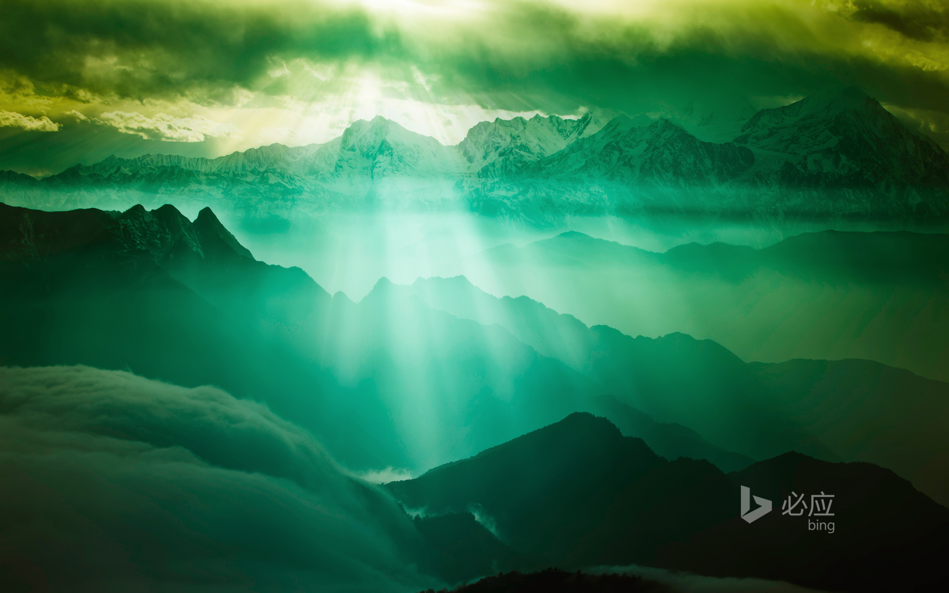 The sea of clouds, climbing the 3600 meters of Niubeishan when the sun goes down, shooting Gongga Mountain