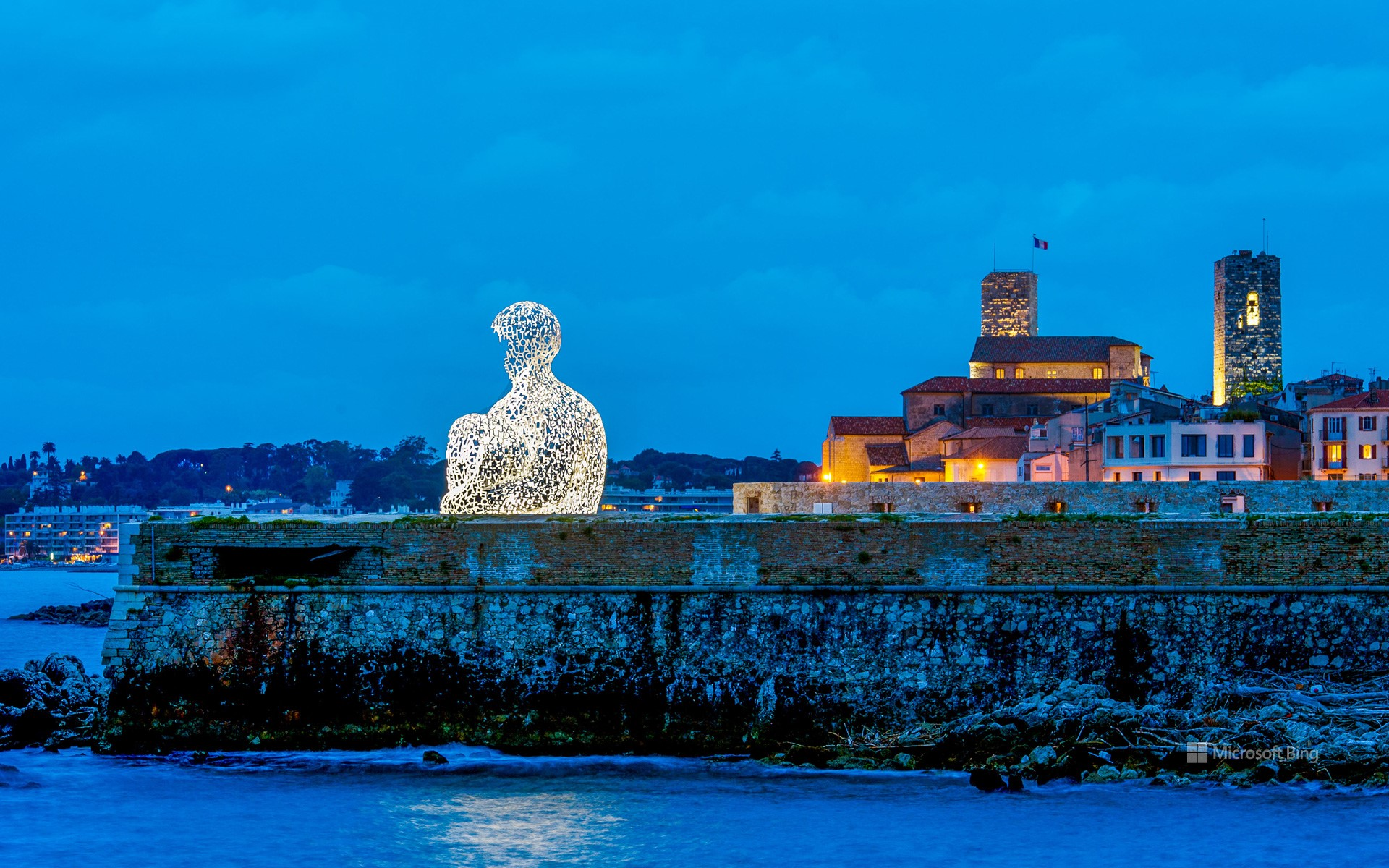 """Sculpture created by Catalan artist Jaume Plensa entitled """"Nomade"""", old town of Antibes, Alpes-Maritimes"""